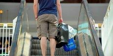 La moitié des Francais se déclare contre l'idée d'arrêter de dépenser pour de petits plaisirs de la vie quotidienne. (Photo: Reuters)