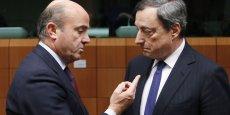Le ministre de l'Economie espagnol Luis de Guindos – ici en pleine conversation avec le président de la Banque Centrale Européenne Mario Draghi- est confiant quant à la capacité de son pays à retrouver le chemin de la croissance.