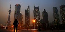 Le système financier chinois est en pleine expansion, comme en témoignent les tours du quartier financier de Pudong, à Shanghaï. Mais avec le libéralisme, les Chinois découvrent aussi le risque. Ce qui pourrait causer aux épargnants leurs premières déconvenues. (Photo : Reuters)
