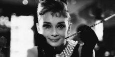Tiffany's, rendue mythique par le film Breakfast at Tiffany's,  va ouvrir une boutique sur les Champs-Elysées.