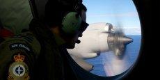 Les recherches se poursuivent pour tenter de retrouver des débris du Boeing disparu, elles pourraient prendre entre huit mois et un an selon le responsable des recherches.