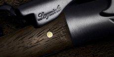 Un habitant du Val-de-Marne, Gilbert Szajner, a déposé dès 1993 la marque Laguiole et la commercialise actuellement pour vendre des couteaux importés et d'autres produits fabriqués en Chine ou au Pakistan. (Photo :- Laguiole corkscrew / Vimages via Flickr CC License by -)