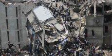 Ce texte a été déposé en réaction à la catastrophe du Rana Plaza, un immeuble d'ateliers au Bangladesh, dont l'effondrement a fait plus de 1.100 morts en avril 2013.