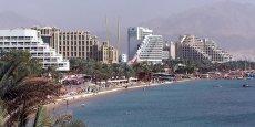 Eilat, au bord du golfe d'Aqaba. Si le projet de ligne TGV se concrétise, le nombre de conteneurs transitant par la ville pourrait être multiplié par vingt d'ici à 2020, pour atteindre 5,4 millions de tonnes. / DR