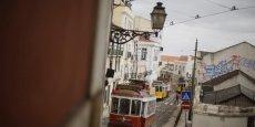 Le relèvement de la note par Moody's intervient le même jour que la décision de Standard & Poor's de relever sa perspective sur la note souveraine du Portugal, de négative à stable. REUTERS.