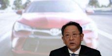 Akio Toyoda, le PDG de Toyota, a annoncé des résultats records pour son groupe, en partie grâce à la dépréciation du yen et la hausse de sa production de véhicules. Reuters
