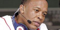 Créé par le rappeur américain Dr. Dre et le producteur Jimmy Iovine, Beats Electronics, basé à Santa Monica, en Californie, s'est fait connaître avec sa ligne de casques audio Beats by Dr. Dre.