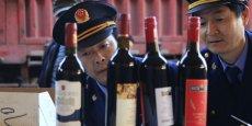 L'empire du milieu étant actuellement le plus grand importateur mondial de vin bordelais, ainsi que le consommateur le plus important de rouge en général, le problème ne représente pas qu'une goutte d'eau pour le marché français. (Photo : Reuters)