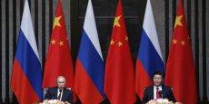 Vladimir Poutine et son homologue chinois Xi Jinping ont assisté ce mercredi à la signature d'un méga-contrat pour la fourniture de gaz. (Photo: Reuters)