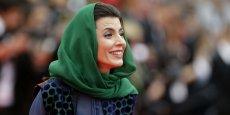 Leila Hatami a attiré les foudres des autorités iraniennes en embrassant le président du Festival, Gilles Jacob. / Reuters