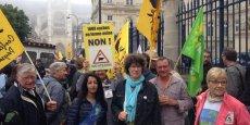 Les militants protestaient depuis hier soir contre la garde à vue (prolongée) de 5 de leurs membres, dont leur porte-parole Laurent Pinatel. (Photo : Twitter Confédération paysanne)