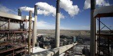 Les centrales fonctionnant au charbon représentent 600 des 1 600 centrales électriques du pays et émettent 31% des gaz à effet de serre. Reuters