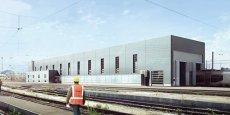 Le site du technocentre de la SNCF à Bordeaux, un nouveau bâtiment de 2.000 m2, va abriter, dès 2016, l'atelier de maintenance de 46 nouvelles rames Alstom (Régiolis) et Bombardier (Régio2N). Crédit photo : SNCF