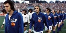 L'affrontement historique des joueurs de la RFA et de la RDA lors de la Coupe du monde de football de 1974. / DR