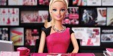 Les ventes de la poupée Barbie plongent, Mattel change de patron