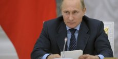 Vladimir Poutine qualifie d'illégales les sanctions prises par l'UE et les États-Unis contre les intérêts russes.