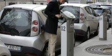 Les utilisateurs  d'Autolib font 500 euros d'économies par mois en moyenne. /Reuters