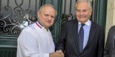 Ouvert en septembre 2014 par Joël Robuchon et Bernard Magrez à Bordeaux, La Grande Maison décroche deux étoiles d'un coup au Michelin 2016.