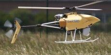 Les drones font sensation dans les exploitations françaises. Ils permettent d'avoir accès à des données plus détaillées, plus rapidement, afin de mieux valoriser ses cultures explique Didier Debroize, ingénieur. | Reuters