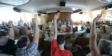 Des salariés de la SNCM votent le prolongement de la grève à bord du Danielle Casanova à Marseille, faisant entrer le 3e conflit de l'année dans son 10e jour. Reuters