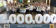 Cérémonie pour la deux millionième Renault produite au Brésil