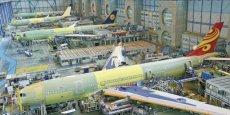 La ligne d'assemblage final des A330 et A340 de l'usine Airbus de Toulouse. / DR