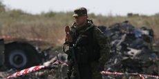 Des tirs d'artillerie étaient entendus à un kilomètre du site du crash de l'avion malaisien dans l'est de de l'Ukraine. (Photo : Reuters)