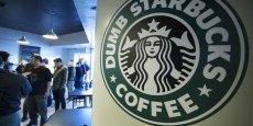 Starbucks affirmait ne pas réaliser suffisamment de bénéfices en Grande-Bretagne... où la chaîne compte cependant la moitié de ses cafés européens et envisage d'en ouvrir encore une centaine.
