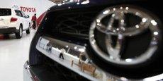 Toyota est toujours numéro un mondial, mais pourrait perdre sa première place en 2015.