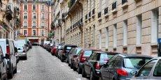 D'après une enquête du bureau de recherche 6t soutenue par l'Ademe, l'autopartage permettrait de remplacer cinq voitures et libérer 4 places de stationnement.