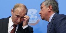 Igor Setchine, le PDG du groupe pétrolier russe Rosneft (ici avec Vladimir Poutine), a demandé un soutien financier au gouvernement russe.