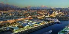 Vue sur la mer depuis les Terrasses du port, un centre commercial de 61.000 m2 en plein coeur de Marseille.