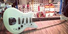 Custom 77 propose plus de 150 modèles de guitares différents.