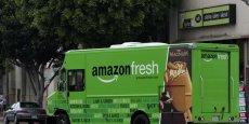 Avant l'expérimentation de distribution de produits frais en association avec la Poste américaine, le service AmazonFresh , lancé il y a déjà plusieurs années à Seattle, proposait déjà des livraisons de produits frais mais sans partenariat avec la Poste américaine.