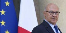 Le ministre des Fiances Michel Sapin estime que l'Etat respecte sa parole vis a vis des entreprises, malgré la polémique sur le report d'une nouvelle mesure d'allègement de cotisations patronales