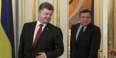 Le président ukrainien Petro Poroshenko et le président de la Commission européenne José Manuel Barroso lors de leur rencontre vendredi 12 septembre pour évoquer les perspectives économiques et la reconstruction du pays.
