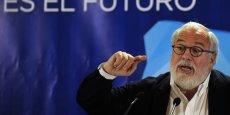 Même en revendant ses actions, le commissaire européen à l'Énergie et au climat, Miguel Cañete, reste sous le feu des critiques avant son audition devant le Parlement européen.