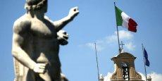 L'art italien d'après-guerre attire les collectionneurs internationaux, mais cette fièvre acheteuse est-elle nourrie par ce qu'on pourrait considérer comme la date d'expiration de ces œuvres d'art italien créées au milieu du 20e siècle, ou plutôt l'urgence de les faire sortir d'Italie avant qu'il ne soit trop tard?