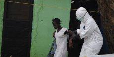 Sur le plan sanitaire, l'épidémie a fait au moins 2.917 morts en Afrique de l'Ouest sur 6.263 cas détectés, selon le bilan de l'Organisation mondiale de la Santé (OMS).