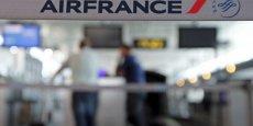 Les inquiétudes des syndicats de pilotes se cristallisent autour d'une compagnie à bas coût paneuropéenne qui imposerait à ses pilotes des contrats de statut local, soulevant un risque de dumping social, selon eux.
