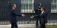Manuel Valls reçu par David Cameron, le Premier ministre britannique, au 10 Downing Street à Londres.