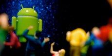 D'après analyste de Citigroup, Microsoft a perçu en 2014 une redevance de 5 dollars pour chaque smartphone sous Androïd, le système d'exploitation mobile de Google, vendu par le Chinois HTC et réclamait 12,5 dollars par appareil à d'autres constructeurs.