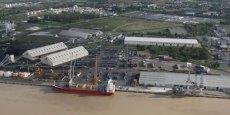 Le terminal portuaire de Bassens, ci-dessus, est au coeur de l'activité portuaire, avec celui d'Ambès.