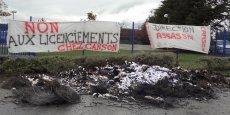 Des banderoles ont été apposées sur les grilles du site du Grand Mûrier, à Annonay. Un feu avait aussi été allumé.
