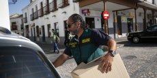 La Garde civile espagnole a saisi de nombreux dossiers compromettants pour les élus locaux.
