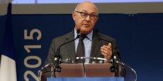 Dans un entretien avec les agences de presse, le ministre des Finances Michel Sapin a expliqué que le déficit public serait réduit en 2015 de 3,6 à 3,7 milliards d'euros de plus que prévu.