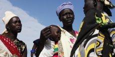 Pour que la croissance permette de réduire la pauvreté, le FMI appelle notamment à réorienter les dépenses publiques vers la santé et l'emploi des femmes.