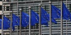 La dette publique de la France est attendue par la Commission européenne à 95,5% du PIB en 2014, 98,1% en 2015 et 99,8% en 2016.