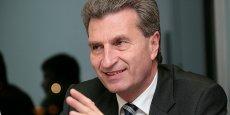 Notre priorité pour l'instant doit être de conclure, entre Européens, la négociation de la directive protection des données, estime Günther Öttinger.