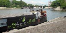 Avec son concept de livraison dans Paris par triporteurs que ravitaille une péniche sur laSeine, Vert chez vous innove mais n'a pas encore trouvé sonbusiness model.